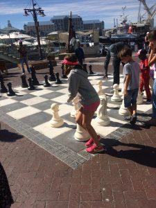 melhores atrações gratuitas de Cape Town - Xadrez no Waterfront